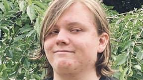 Teen, 16, Buys Repossessed Storage Units So Families Can Retrieve Their Belongings