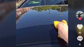 UK So Hot Water Evaporates On Car As Man Tries To Wash It