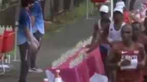 Marathon Runner Slammed For Apparent Lack Of Sportmanship During Race