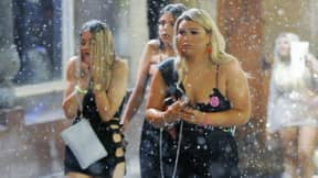 Snow Doesn't Stop UK Revellers From Having A Night Out