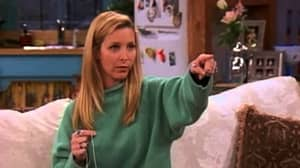 Fan Theory Suggests Phoebe From 'Friends' Is Actually A Teleporting Alien