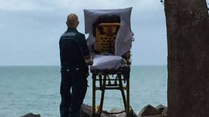 Aussie Paramedics Take Terminally Ill Patient To The Beach To Fulfill Her Dying Wish