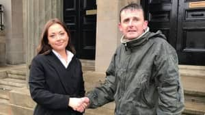 Homeless Hero Guards Stranger's Money For Hours So It Isn't Stolen