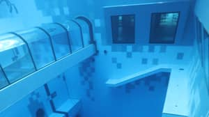 World's Deepest Diving Pool Has An Underwater Hotel