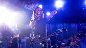 Dave Grohl Brings Daughter On Stage To Play Drums At Gig