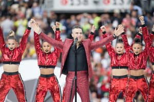 Robbie Williams Explains His Gesture During The World Cup Opening Ceremony