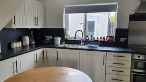 Man Renovates Kitchen For Just £91 After Being Quoted £900