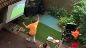 Fans Troll Neighbours Who Are Watching Match 30 Seconds Behind Their Stream