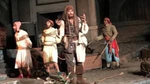The Real Johnny Depp Surprised Guests At Disneyland Dressed As Jack Sparrow