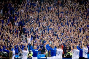 This Is How The Iceland Fans All Stay In Time When Chanting
