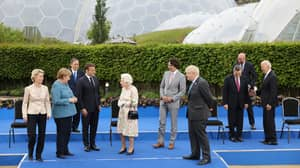 The Queen Jokes With All G7 Leaders While Posing For Photo