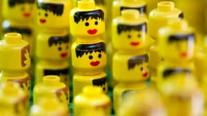Smyths Toys Will Be Giving Out Free LEGO In All Stores This Weekend