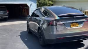 Man Claims He Can Drive His Tesla Remotely With A PlayStation Controller