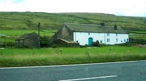 Farm In The Middle Of The M62 Earmarked To Be 'Farm Of the Future'
