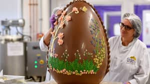 Cadbury Has Created A Giant 7st Easter Egg And It Looks Incredible