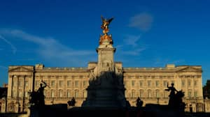 Police Attacked By Man With Knife Outside Buckingham Palace