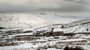 Weekend Weather Takes A Turn As UK Forecasts Snow, Sleet And Strong Winds