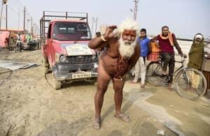 Mind Over Matter: Hindu Bloke Pulls Van Using Just His Manhood