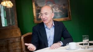 Thousands Sign Petition Demanding Jeff Bezos Buys And Eats The Mona Lisa