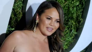 Chrissy Teigen Has The Perfect Response To A Twitter Troll After Teasing White House Press Secretary Sarah Sanders