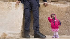 ​World's Smallest Woman Hangs Out With World's Tallest Man In Egypt