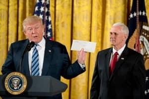 Trump Reveals Obama Left Him A Letter But Refuses To Explain What It Said
