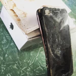 iPhone 7s Are Now Exploding On Unsuspecting Owners
