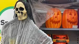 Aussie Mum Slams Woolworths For Scaring Her Kids With Halloween Decorations