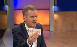 A Jeremy Kyle Guest Offered To 'Take Him Backstage' For A Tenner
