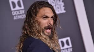 Funny Picture Of Jason Momoa With Husband And Wife Goes Viral