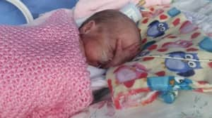 Premature Baby Born 17 Weeks Early And Weighing 1Ib Leaves Hospital
