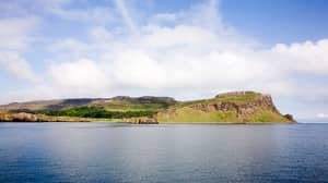 This Scottish Island With A Population Of 15 Is Begging For People To Move There