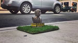 Tiny Donald Trump Statues Inviting Dogs To 'Pee On Me' Pop Up Across New York