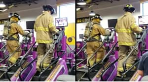 Firefighters Dressed In Full Uniform Climb 110 Floors In Memory Of 9/11 Victims