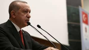 Turkish President Tells Crying Little Girl She'll Be Honoured If She's 'Martyred'