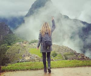 Girl Gets Diagnosed With Cancer, Visits The Seven Wonders Of The World In 13 Days