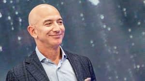 Jeff Bezos Made £13 Billion In Just 17 Minutes