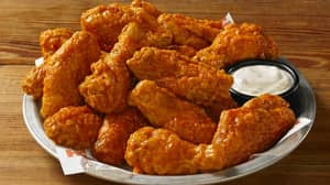Rip Up A Photo Of Your Ex On Valentine's Day For Free Wings At Hooters