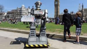 AI Expert Warns That 'Killer Robots' Will Start Murdering Us All If Not Banned