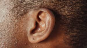 Person Born Profoundly Deaf Explains What They Hear Inside Their Head