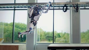 Boston Dynamics Shows How Two Atlas Robots Can Now Do Parkour