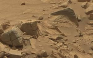 This Video Is 'Definitive Proof' That There's Aliens Living On Mars
