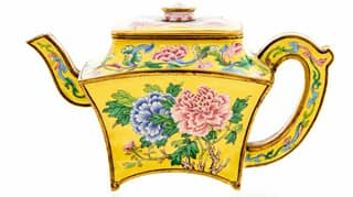 Man Finds Antique Teapot Worth £100,000 While Clearing Out Loft