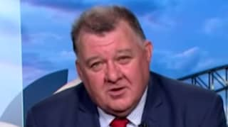 Controversial MP Craig Kelly's Facebook Page Is Now Rated -671 Out Of 5