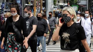 Covid-19 Can Pass Between People Wearing Face Masks One Metre Apart, Study Finds