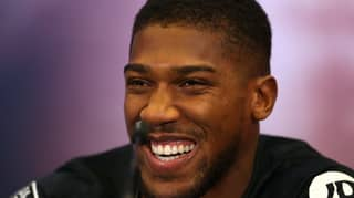 Anthony Joshua Loses £10,000 Wide Grip Pull-Up Bet Against Mate