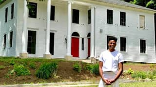 Black Broadway Actor Buys Huge 19th Century Mansion Built By Slaves