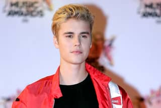 Justin Bieber 'Used Facebook To Get Girls To His Hotel Room'
