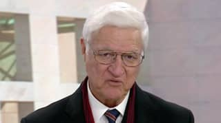 Bob Katter Wants The Word 'God' To Be Added To Australia's National Anthem