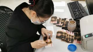 Chinese Woman Nukes Banknotes In Microwave To 'Disinfect' Bills Of Coronavirus